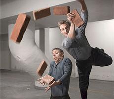Rapid Eye Theatre viser Domino Effekten. For børn
