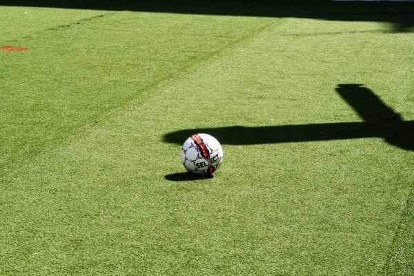 Roskilde Kongres- og Idrætscenter lægger gulv til vinterferie-fodbold
