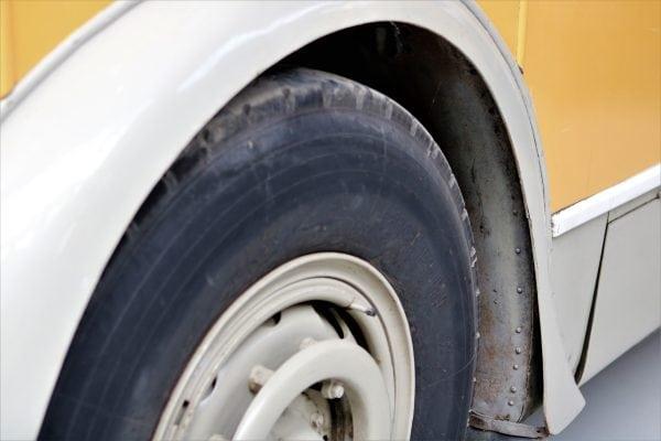Hjulene på bussen...