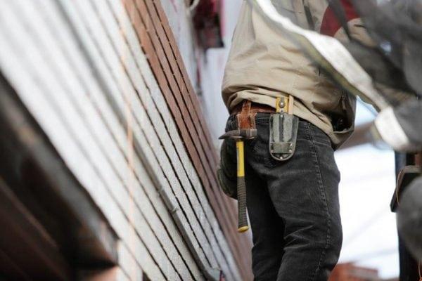 Ny analyse dokumenterer lånefest: 50-årige i Roskilde bruger løs på boligen