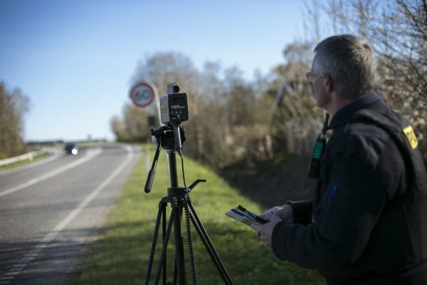 Danskerne tager afstand fra for høj hastighed – men kører alligevel for stærkt