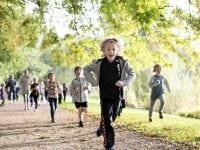 Hedegårdenes Skole løber for at hjælpe andre børn