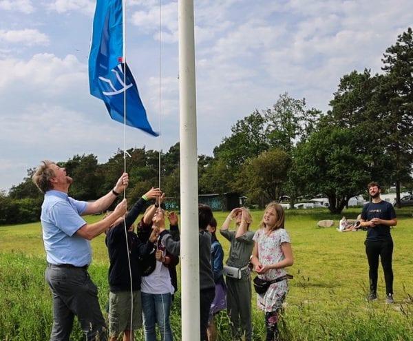 Det Blå Flag på Vigen betyder rent vand – og meget mere