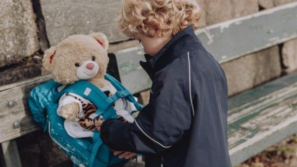 Brugte skoletasker fra Roskilde hjælper børn til et bedre liv på nettet