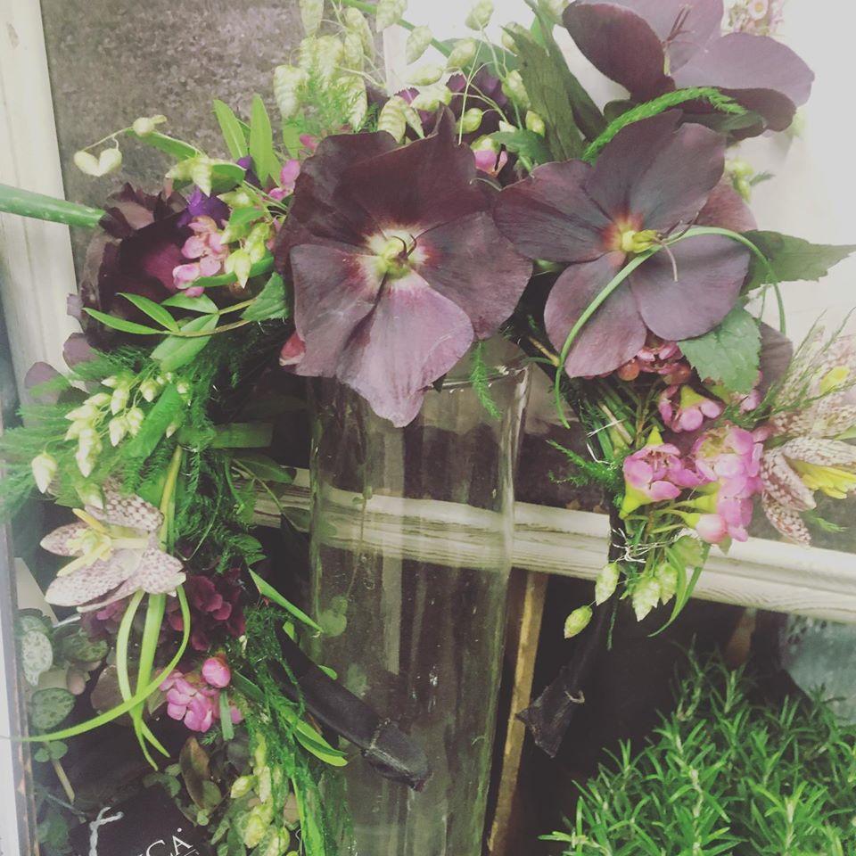 Blomster-inspireret hårpynt til til bryllup
