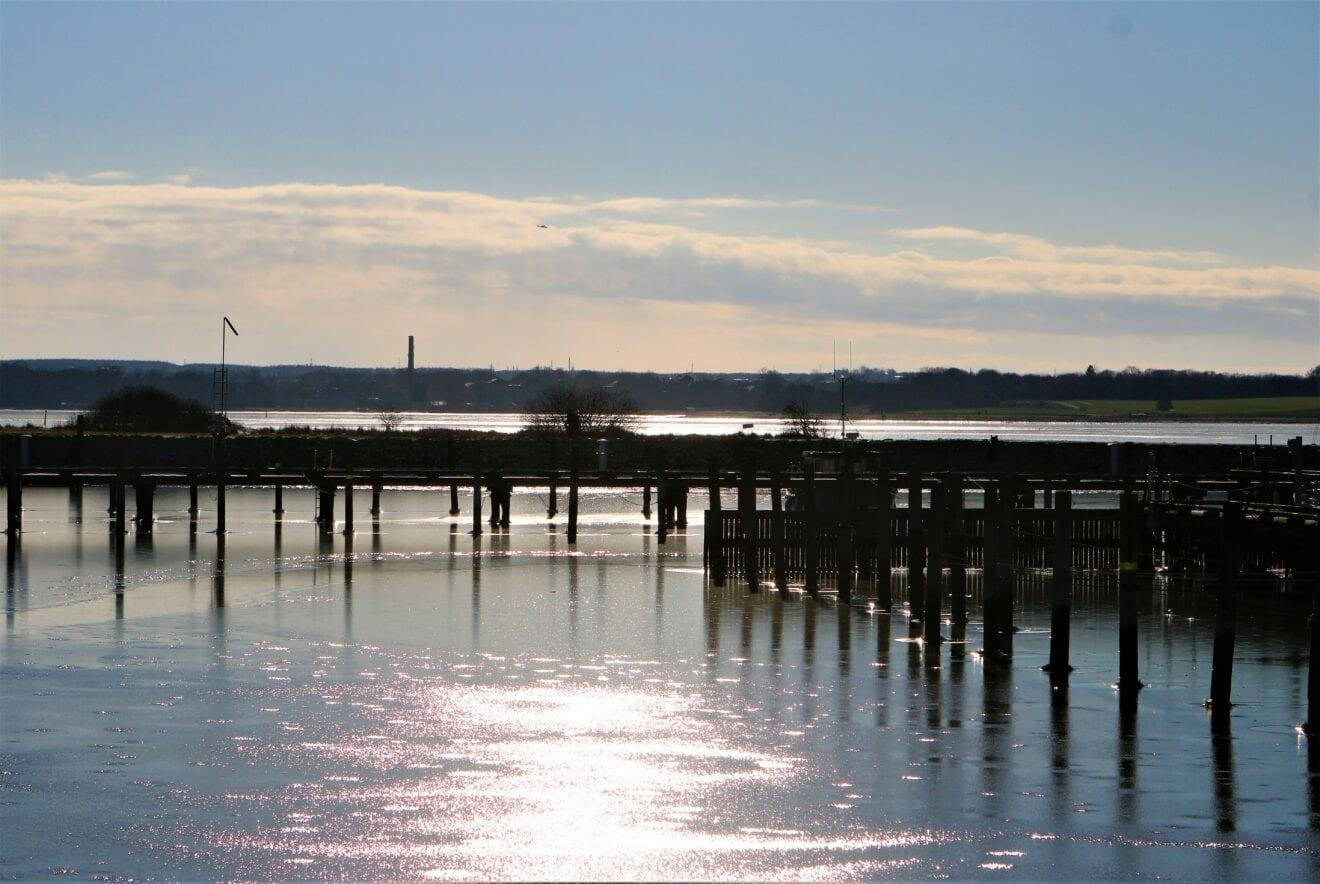 Velkommen til sol, frost og Veddelev Havn