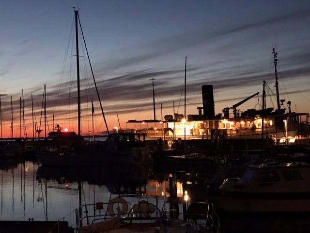 Aften ved havnen