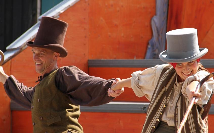 Roskilde Teater præsenterer Klods Hans som gadeteater