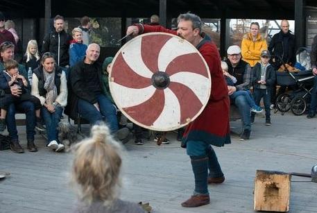 Krigertræning på Vikingeskibsmuseet