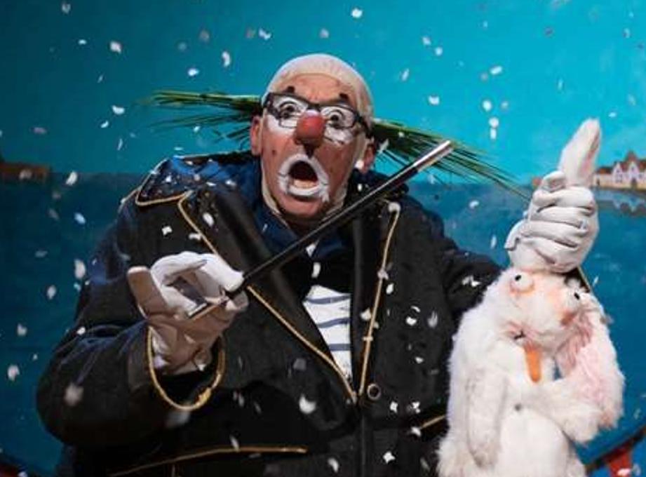 Roskilde Teater præsenterer MAGISKE JEKYLL – I FARS FODSPOR